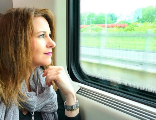 Checklist For 10 Things To Pack For Your Long Distance Train Journey